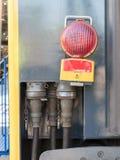 连接火车支架的电缆 免版税库存图片