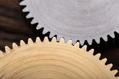 连结的金属齿轮 免版税图库摄影