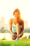 连续妇女锻炼 免版税库存照片