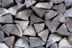 连续被堆积的干燥木柴 库存照片