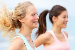 连续妇女赛跑者 免版税库存照片