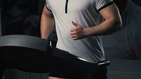 连续机器的人在健身房 影视素材