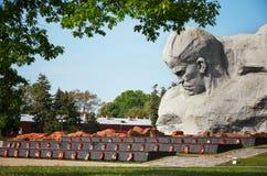 迟来的 对战争的布雷斯特入口堡垒主要纪念品 纪念碑`勇气`在布雷斯特堡垒 2017年5月23日 免版税图库摄影