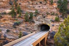 迦密山隧道在锡安国家公园,犹他 库存照片