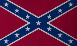 迪克西,在木背景的盟旗 库存例证
