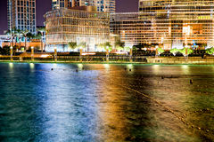 迪拜喷泉不执行在晚上 库存照片
