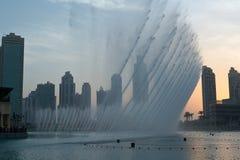 迪拜喷泉 免版税图库摄影