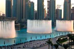 迪拜喷泉 免版税库存图片