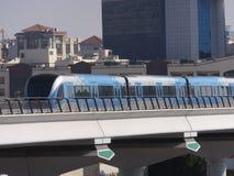 迪拜地铁火车在阿拉伯联合酋长国 库存图片