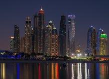 迪拜夜场面 免版税库存照片