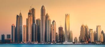 迪拜小游艇船坞从棕榈Jumeirah,阿拉伯联合酋长国的海湾视图 免版税图库摄影