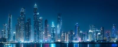 迪拜小游艇船坞从棕榈Jumeirah,阿拉伯联合酋长国的海湾视图 免版税库存图片