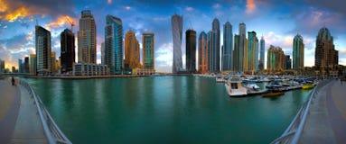 迪拜小游艇船坞全景 免版税图库摄影