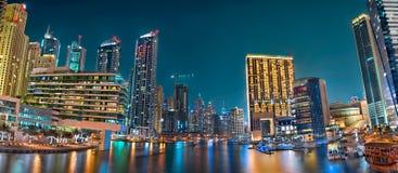迪拜小游艇船坞全景 图库摄影