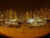 迪拜小游艇船坞减速火箭的神色 库存图片
