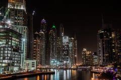 迪拜小游艇船坞在晚上,阿拉伯联合酋长国 免版税图库摄影