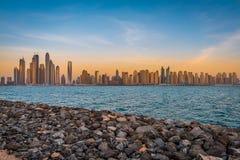 迪拜小游艇船坞地平线 免版税库存照片