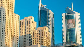 迪拜小游艇船坞早晨视图在迪拜timelapse耸立 股票录像
