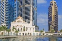迪拜小游艇船坞清真寺 免版税库存图片