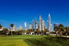 迪拜小游艇船坞都市风景视图在阿联酋 免版税库存照片
