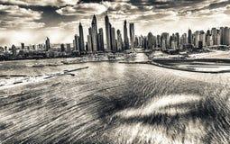 迪拜小游艇船坞,阿拉伯联合酋长国鸟瞰图  免版税库存图片