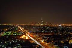迪拜市在晚上 免版税库存图片