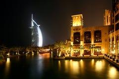 迪拜晚上 免版税库存图片