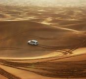 迪拜沙丘吉普徒步旅行队沙子 免版税库存照片