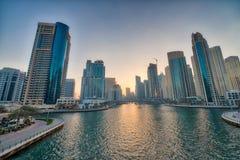 迪拜海滨广场地平线在晚上 库存照片