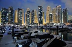 迪拜海滨广场晚上 免版税图库摄影