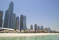 迪拜海滩-成长最快的城市在世界上 免版税库存图片