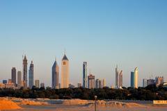 迪拜的地平线增光与美丽的大厦 免版税库存照片