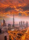 迪拜的都市风景有现代未来派建筑学的,阿联酋 库存图片