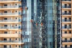 迪拜窗式洗衣机 免版税图库摄影