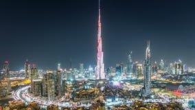 迪拜街市在夜从上面的timelapse视图在迪拜,阿联酋 影视素材