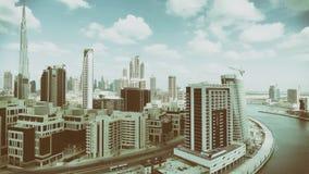 迪拜街市地平线鸟瞰图沿河的 免版税库存图片