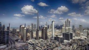 迪拜街市地平线鸟瞰图沿河的 库存照片
