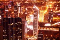 迪拜都市风景在晚上 图库摄影