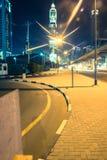 迪拜酋长管辖区塔夜城市场面 免版税库存图片
