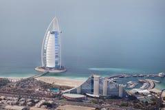 迪拜,阿拉伯联合酋长国。 Burj Al阿拉伯人从上面 免版税库存照片