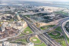 迪拜,阿拉伯联合酋长国- 2016年12月9日:城市道路intersec鸟瞰图  免版税库存图片