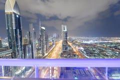 迪拜,阿拉伯联合酋长国- 2016年12月11日:沿Z回教族长的Downrtown地平线 免版税图库摄影