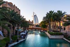 迪拜,阿拉伯联合酋长国- 2018年4月20日:Burj Al阿拉伯人和M 免版税库存图片
