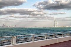 迪拜,阿拉伯联合酋长国- 2016年12月10日:Burj Al阿拉伯人f美丽的景色  免版税库存照片