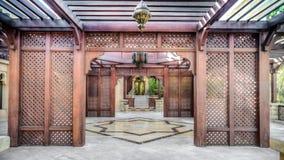 迪拜,阿拉伯联合酋长国- 2013年5月31日:一个门在Jumeirah海滩旅馆,迪拜里 免版税图库摄影