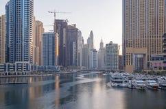 迪拜,阿拉伯联合酋长国- 2016年5月15日:城市视域  免版税库存照片