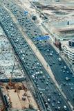 迪拜,阿拉伯联合酋长国- 2015年12月08日:扎耶德回教族长高速公路路鸟瞰图在迪拜 库存照片