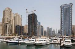 迪拜,阿拉伯联合酋长国- 2016年5月11日:迪拜小游艇船坞视域  库存照片