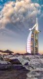 迪拜,阿拉伯联合酋长国- 2015年10月9日:Burj Al阿拉伯人,一最著名 免版税库存照片