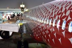 迪拜,阿拉伯联合酋长国- 4月10日 2018年 搭乘航空公司Rossiya在机场 免版税库存照片